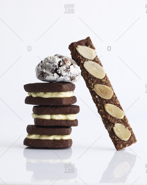 Different cookies arranged on each other.