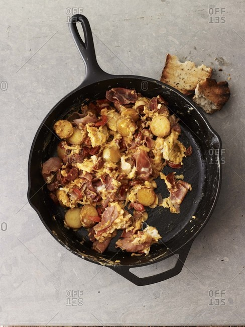 Spanish style scrambled eggs in iron cast pan from above