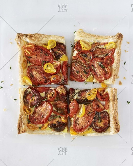 Four pieces tomato tart from above