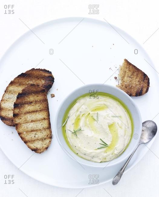 White bean dip and crostini
