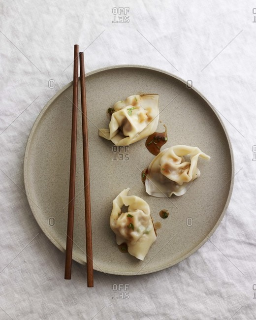 Wontons in Hot and Sour Sauce