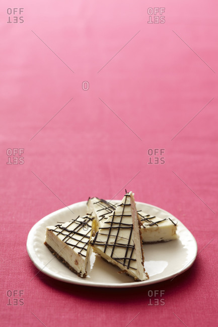Tempting cheesecakes on plate