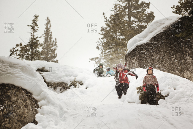 Kids playing in snow - Offset