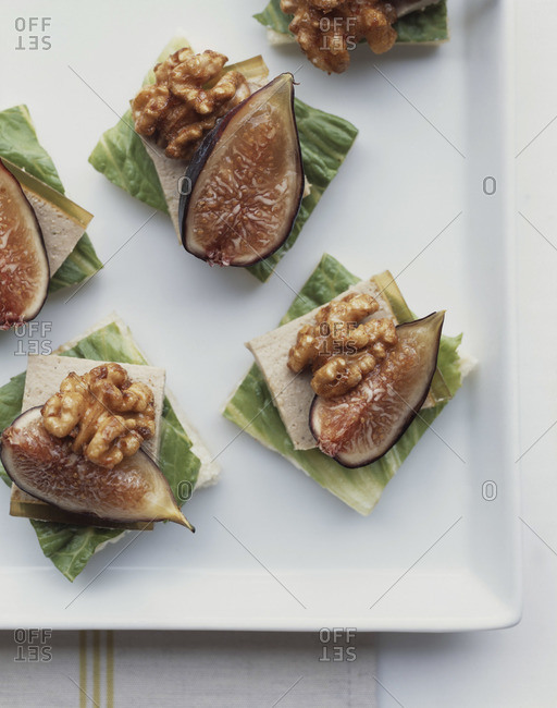 Snacks with fig and walnut from above
