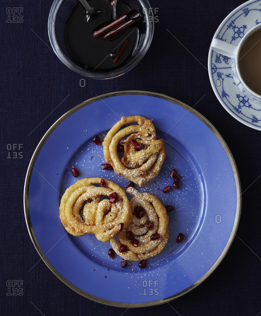 Fried pastry with wine syrup from above