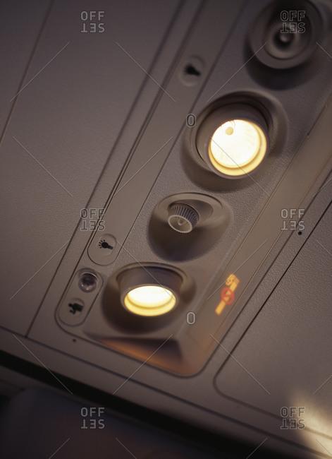Lights inside an airplane - Offset