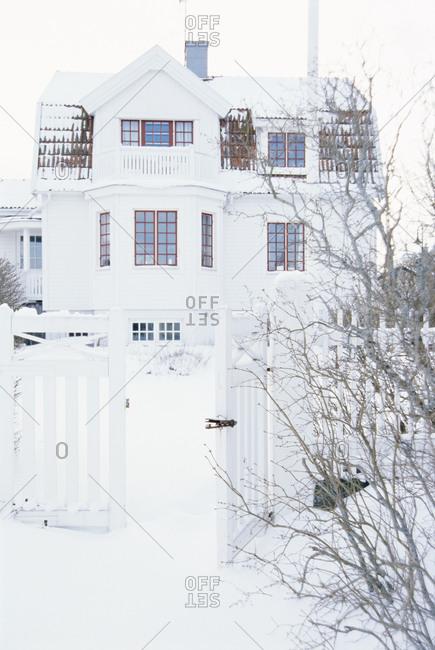 Scandinavian house in winter - Offset