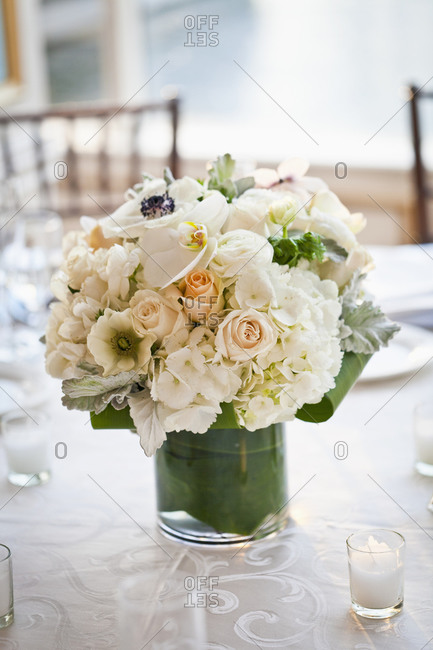 Flower table setting at wedding