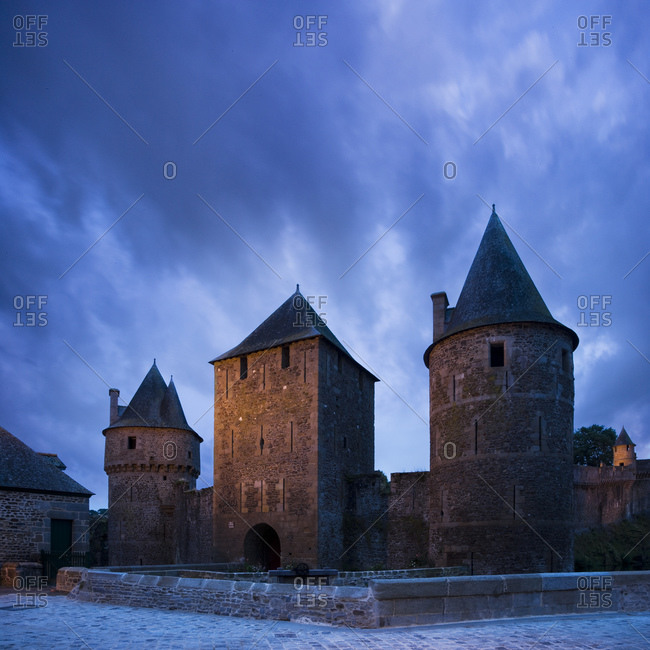 Stone, castle with turrets - Offset