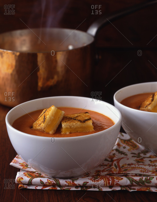 Wintertime tomato soup with grilled cheese croutons