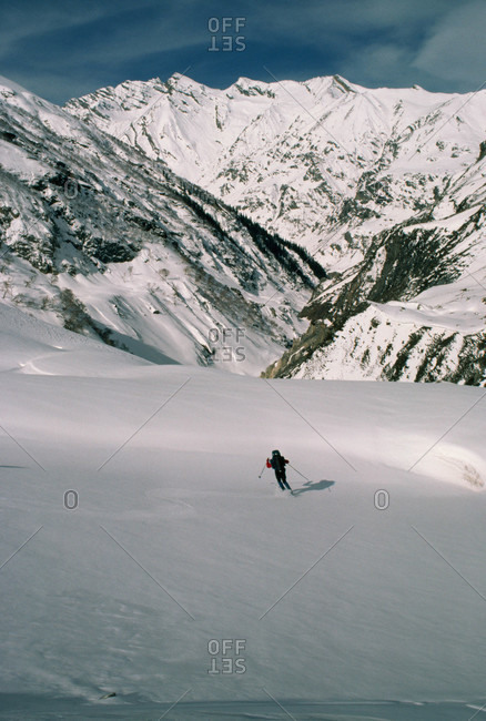 Skier descends into dangerous canyon on trans-Himalayan expedition