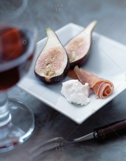 figs with deli meat and a dollop of cheese