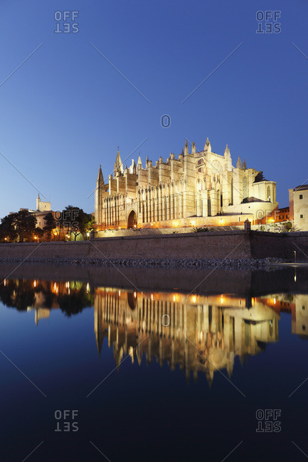 Spain, Balearic Islands, Majorca, Palma de Mallorca, Parc de Mar, Cathedral La Seu