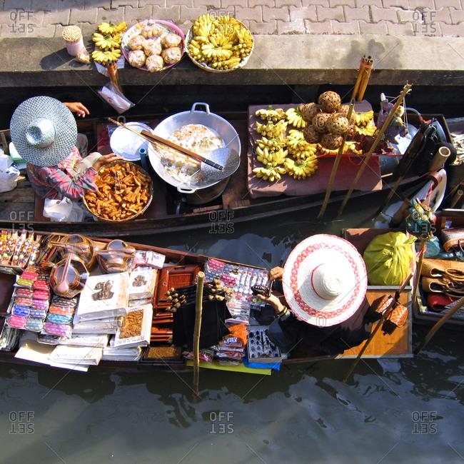 floating boat market