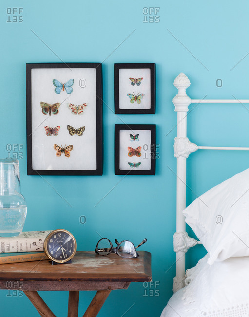 A decorative bedroom - Offset Collection