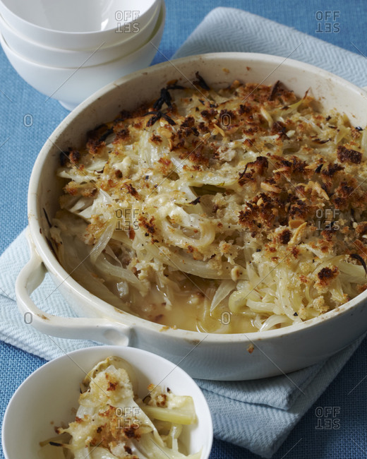 Onion-fennel gratin in baking dish