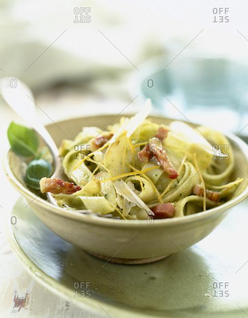 Tagliatelle with pesto, parmesan and bacon