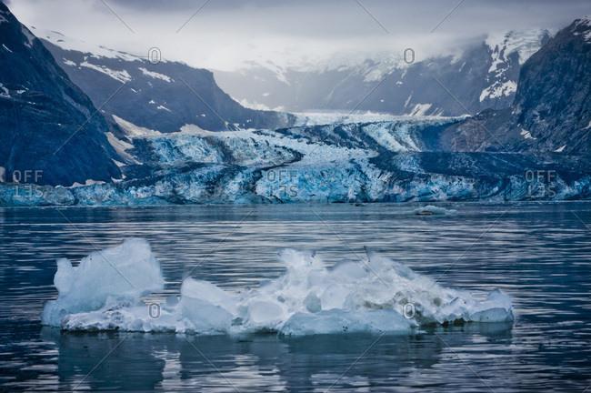 USA, Pacific Northwest, Alaska, Glacier Bay National Park. Johns Hopkins Glacier.