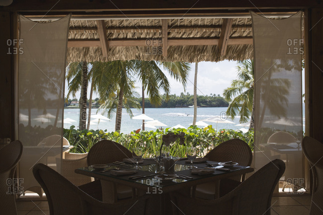 Dinner table with a view to the beach