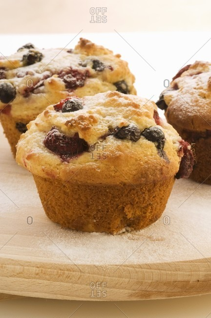 Berry muffins (close-up)