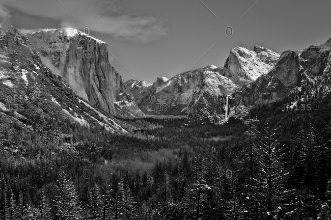 Black and white view of Yosemite Valley