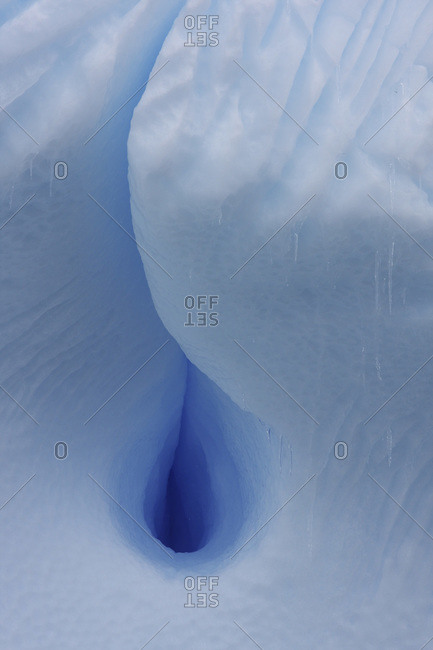 Antarctica, Crack in iceberg