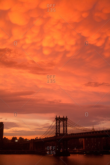 An beautiful sunset over Brooklyn Bridge