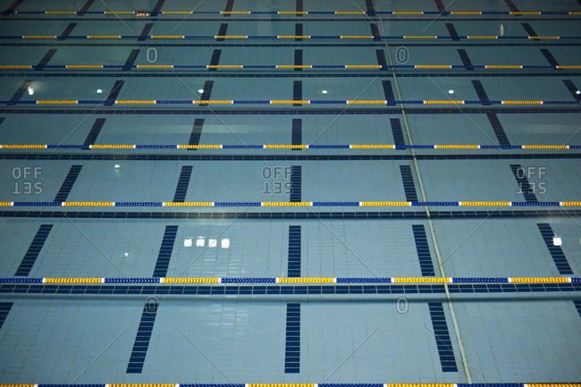 Indoor swimming pool lanes - Offset