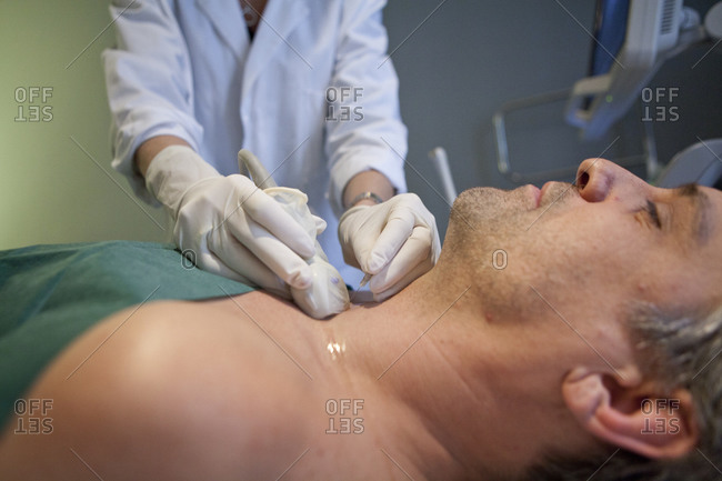 Ultrasound-guided fine-needle puncture of thyroid