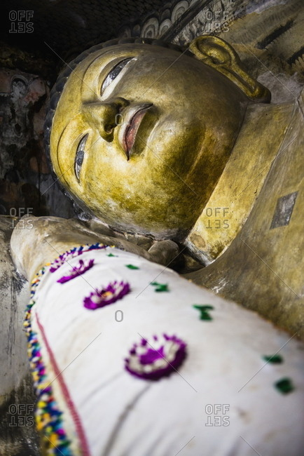 Buddha statue in Cave 1 (Cave of the Divine King) (Temple of the Divine King), Dambulla Cave Temples, UNESCO World Heritage Site, Dambulla, Sri Lanka, Asia