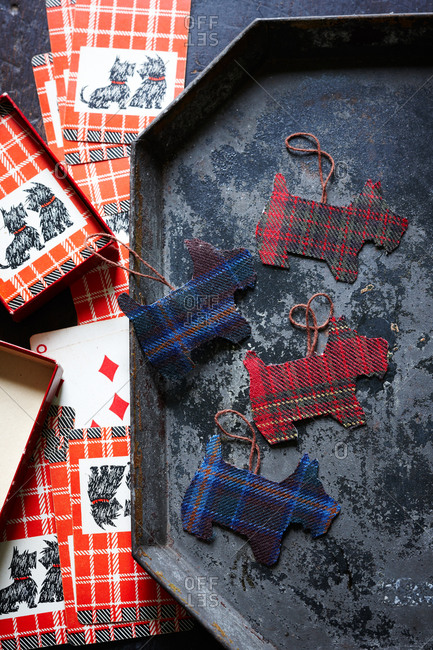 Scottish dog ornaments on rusty tray and greeting cards