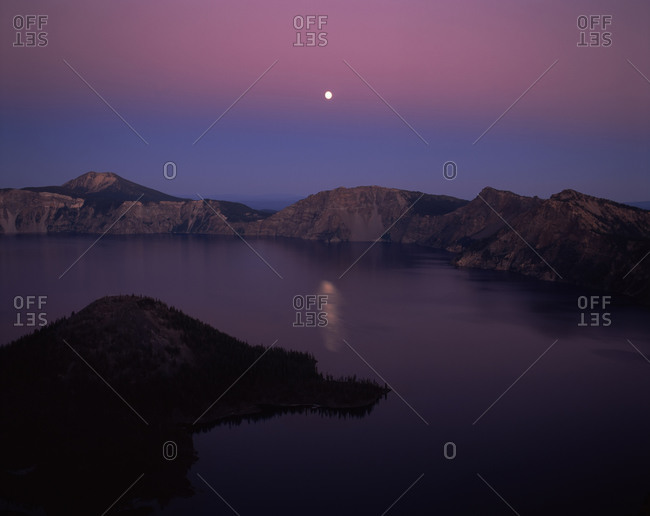 Moonrise over Wizard Island, Crater Lake, Crater Lake National Park, Oregon, USA