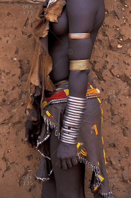 Sideview of a Hamar Tribesman