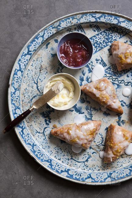 Rhubarb scones with lemon icing