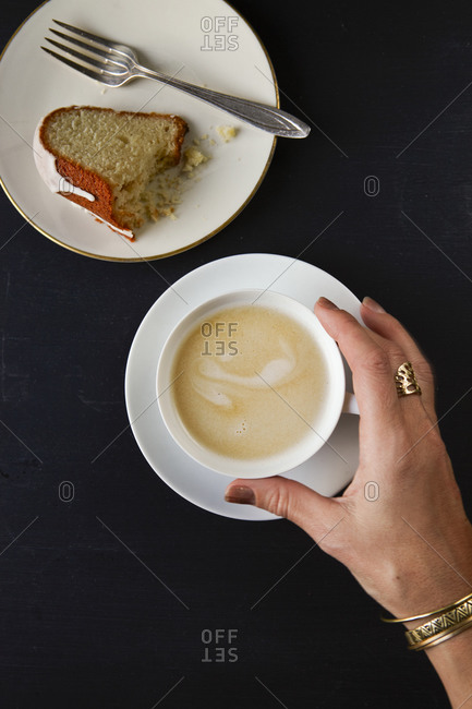 Cake and hot drink - Offset