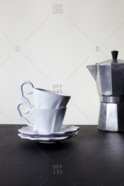 Espresso maker and cups - Offset