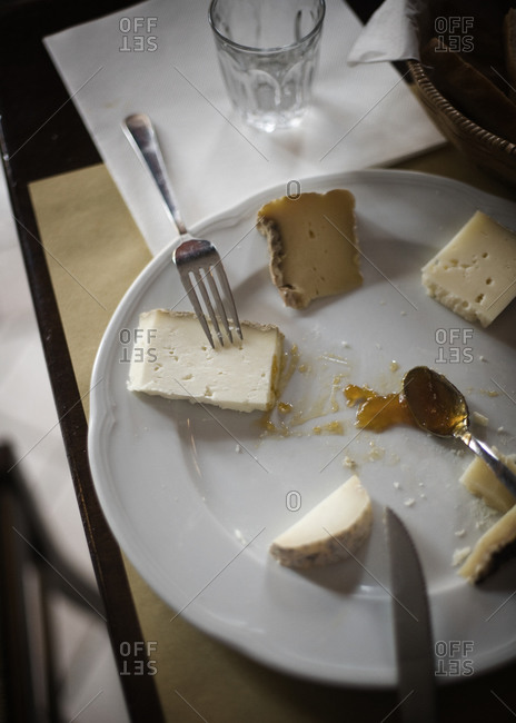 Cheese plate with marmalade