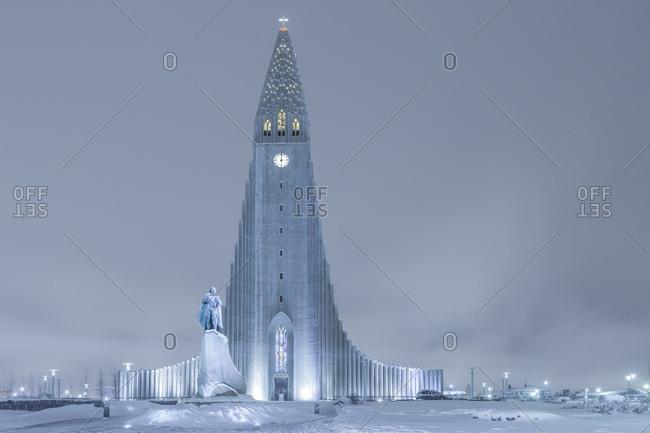 Statue of Leifur Eiriksson and Hallgrimskirkja, Reykjavik, Iceland