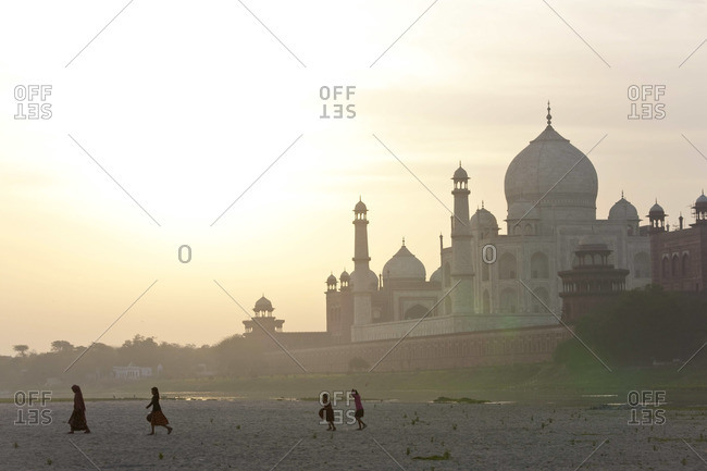 Taj Mahal on the banks of the River Yamuna, Agra, India
