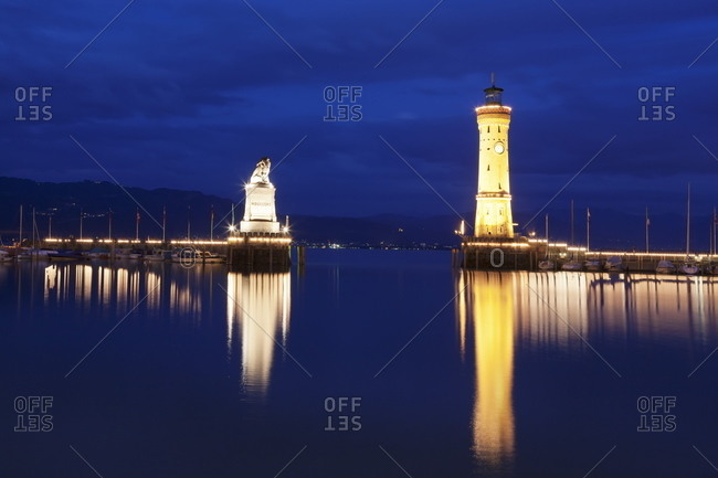 Port with lighthouse and sculpture of the Bavarian Lion, Lake Constance (Bodensee)
