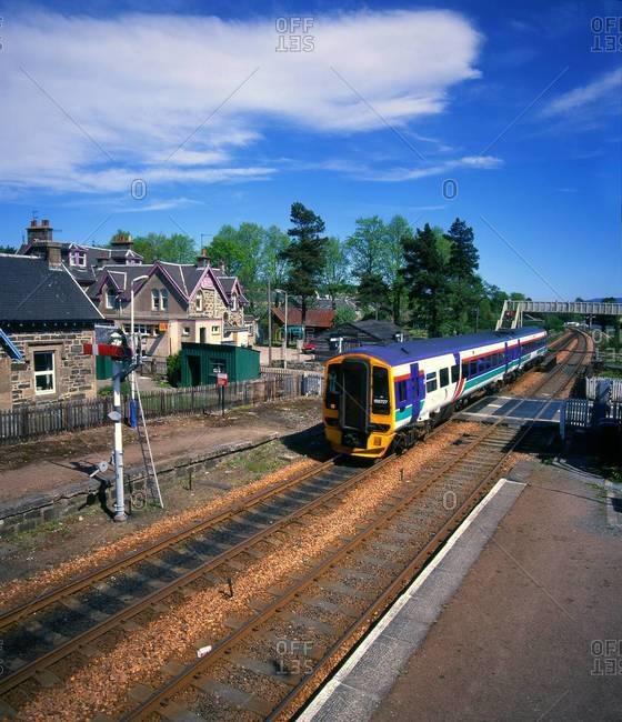 Train passing through Kingussie