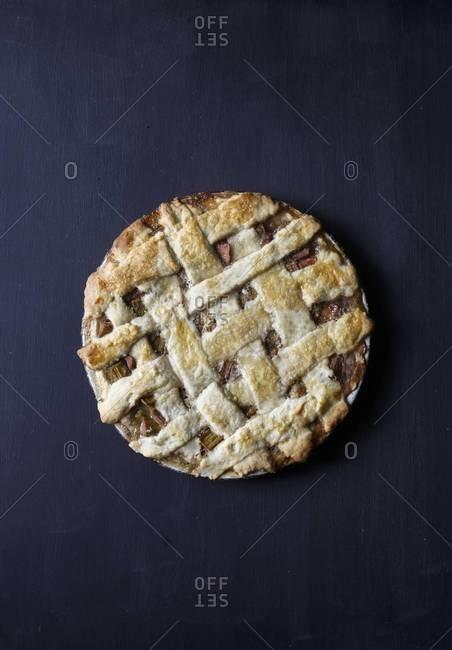 Rhubarb pie whole