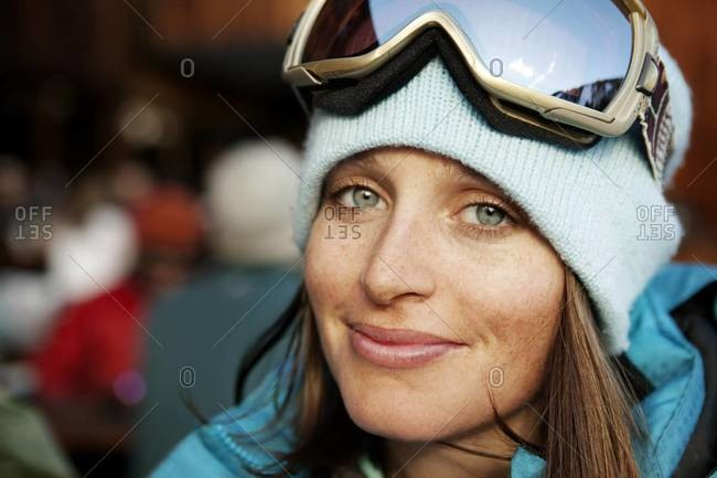 Portrait of a smiling woman in ski clothing