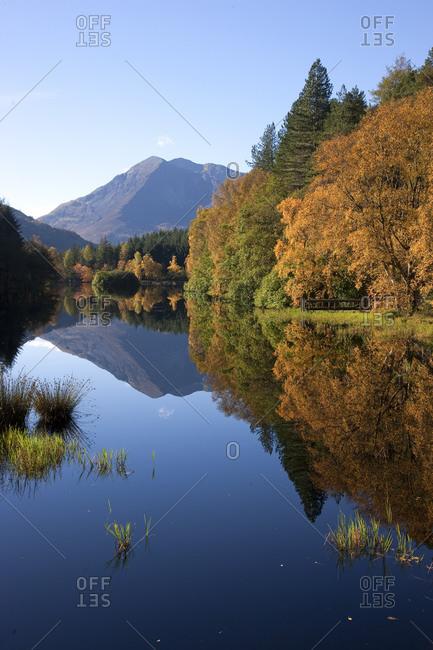Lochan trail at autumn with Ben Vair in the background, Scotland