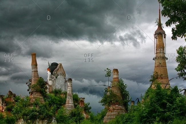 Phaung Kyaung Monastery Daw U, Ywana Myanmar