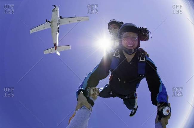 Two skydivers in freefell