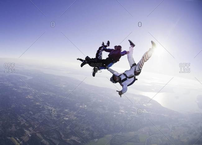 Skydivers in freefell