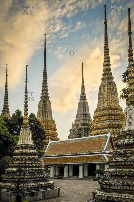 Sunset at the Wat Pho temple in Bangkok
