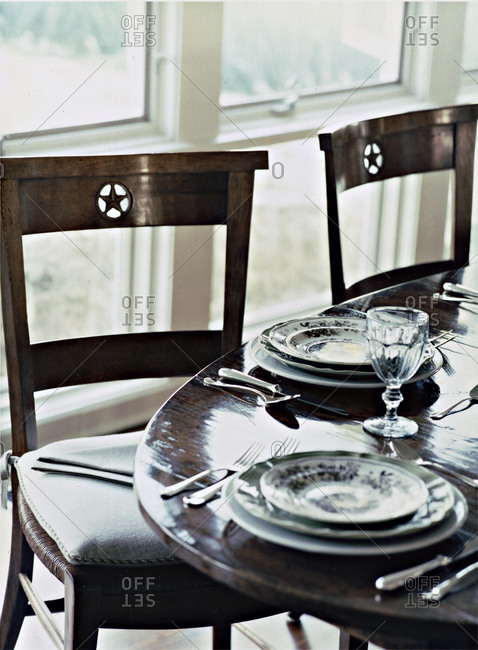Dining table set up