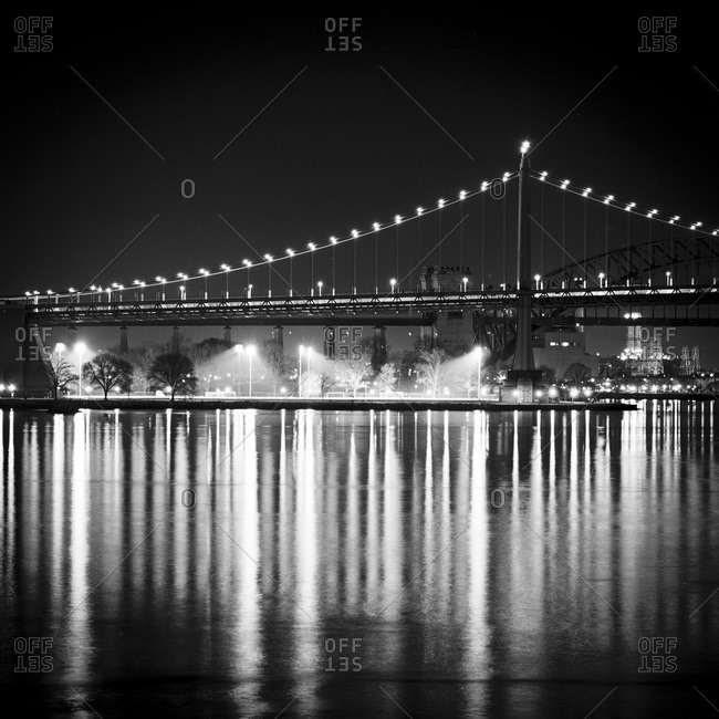 Robert F. Kennedy bridge at night